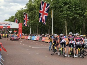 FOTO BTC CITY KOLESARKE LONDON 1 ekipa pred startom
